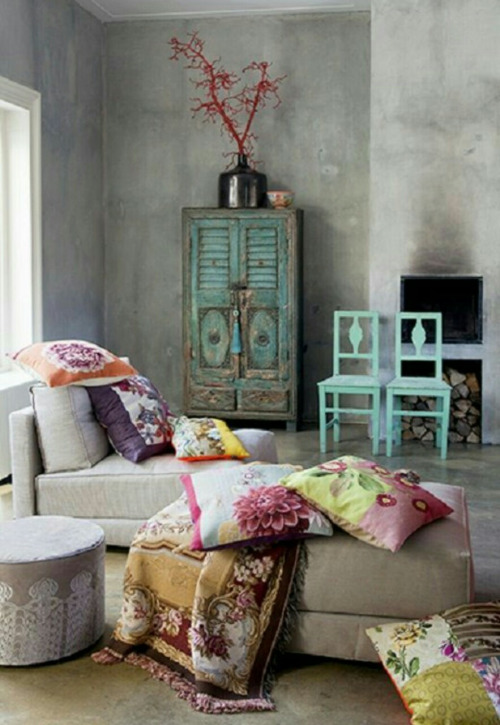 Throw Patterned Pillows And Vintage Looking Furniture